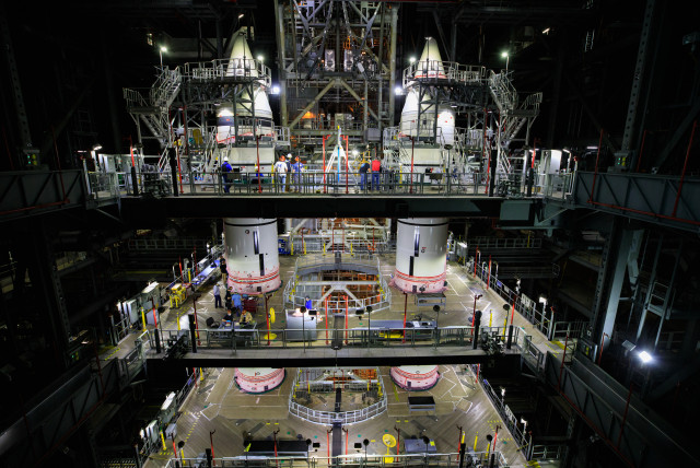 Stacking Complete for Twin Space Launch System Rocket Boosters